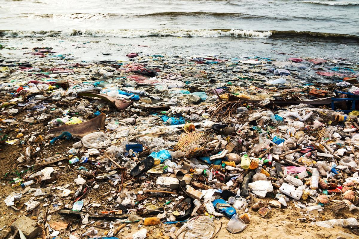 Tài nguyên thiên nhiên là hữu hạn, và những chất thải không có tác dụng gì ngoài việc phá hủy tài nguyên nước, đất và sinh vật sống.